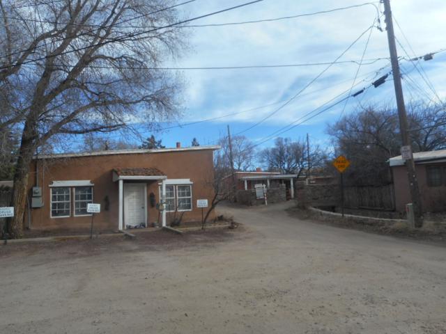 307 Pino, Santa Fe, NM 87505 (MLS #201903271) :: The Desmond Group