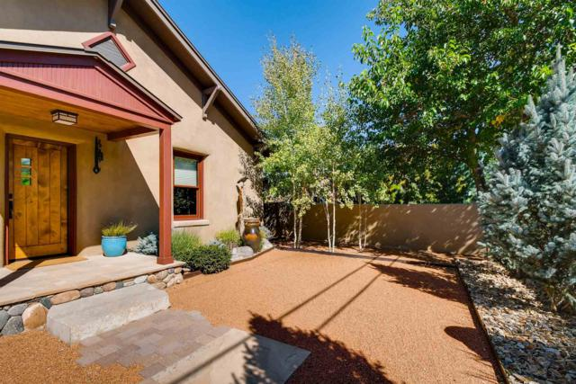 318 Delgado Street, Santa Fe, NM 87501 (MLS #201903363) :: The Desmond Group