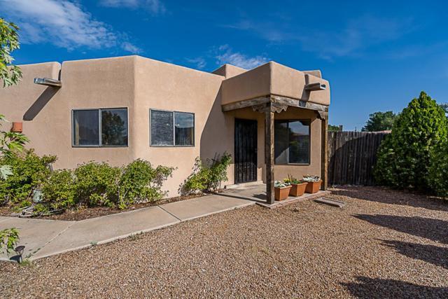4312 Paseo De La Acequia, Santa Fe, NM 87507 (MLS #201903381) :: The Desmond Group