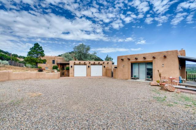 23 Saddle, Santa Fe, NM 87508 (MLS #201903398) :: The Desmond Group