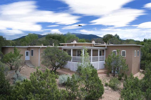 620 Camino Del Monte Sol, Santa Fe, NM 87505 (MLS #201903464) :: The Very Best of Santa Fe
