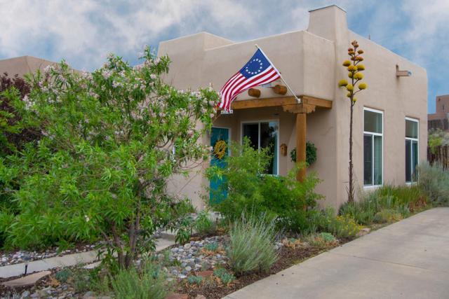 4309 Leaping Rabbit Lane, Santa Fe, NM 87507 (MLS #201903545) :: Berkshire Hathaway HomeServices Santa Fe Real Estate