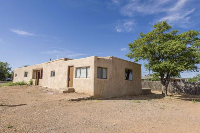 504 Camino Solano, Santa Fe, NM 87505 (MLS #201903551) :: The Very Best of Santa Fe