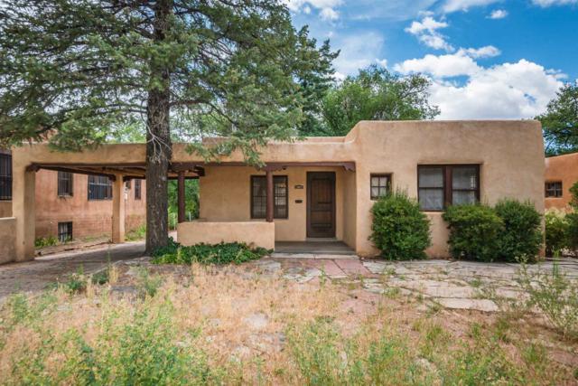 808 Gildersleeve, Santa Fe, NM 87505 (MLS #201903582) :: Berkshire Hathaway HomeServices Santa Fe Real Estate