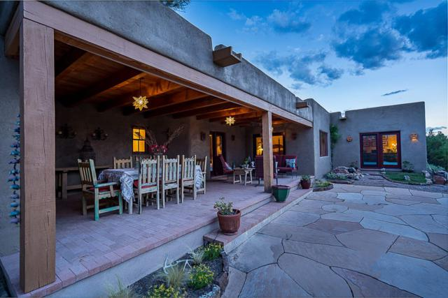 19 Vista Hermosa, Santa Fe, NM 87506 (MLS #201903596) :: The Desmond Group