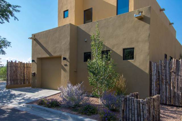 933 Alto D, Santa Fe, NM 87501 (MLS #201904252) :: The Desmond Group