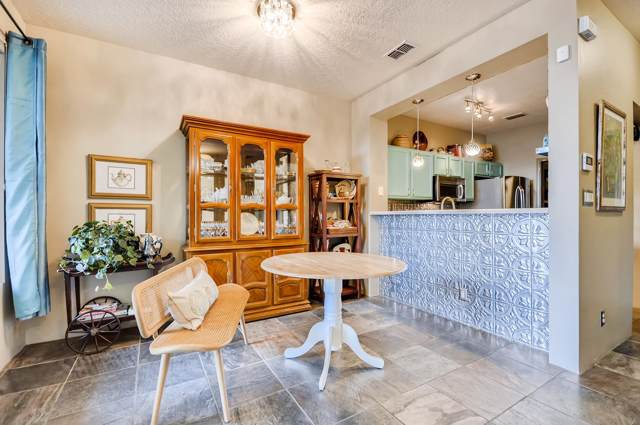 11 E Saddleback Mesa, Santa Fe, NM 87508 (MLS #201904289) :: Berkshire Hathaway HomeServices Santa Fe Real Estate