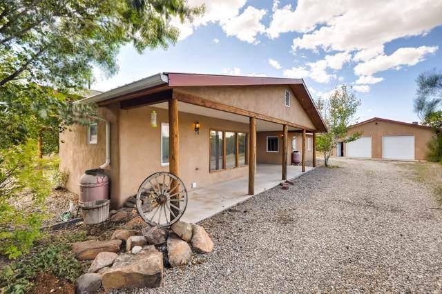8 Avelina Lane, Santa Fe, NM 87506 (MLS #201904339) :: The Desmond Group