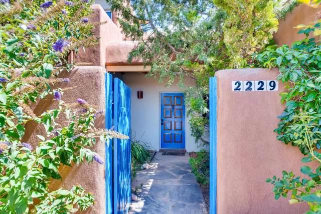 2229 Paseo De Los Chamisos, Santa Fe, NM 87505 (MLS #201904365) :: The Very Best of Santa Fe