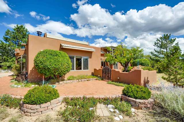 14 Vista Grande Circle, Santa Fe, NM 87508 (MLS #201904374) :: The Desmond Group