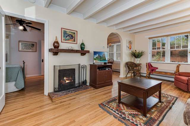 625 Galisteo, Santa Fe, NM 87505 (MLS #201904377) :: Berkshire Hathaway HomeServices Santa Fe Real Estate