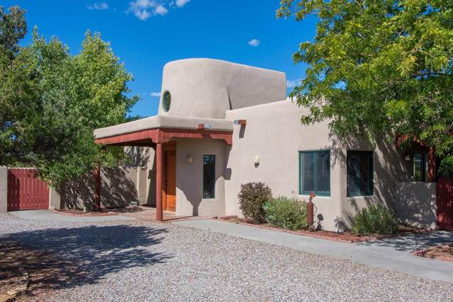 80 La Paz Loop, Santa Fe, NM 87508 (MLS #201904384) :: The Very Best of Santa Fe