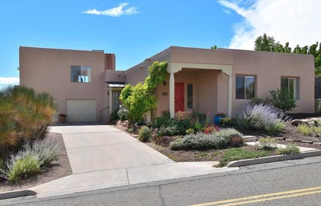 6336 Avenida Chamisa, Santa Fe, NM 87507 (MLS #201904407) :: The Desmond Group