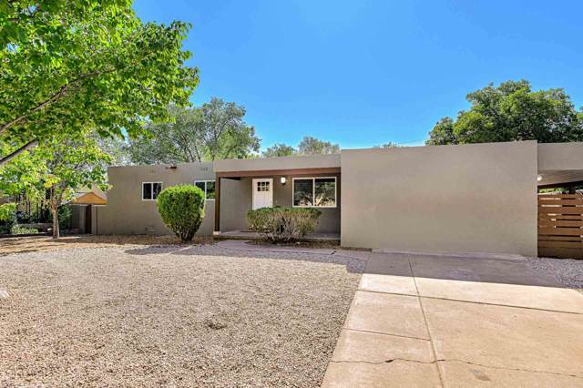 210 Las Mananitas, Santa Fe, NM 87501 (MLS #201904448) :: The Desmond Group