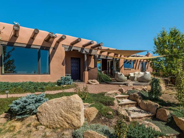 2 Coyote Trail, Santa Fe, NM 87508 (MLS #201904470) :: The Desmond Group