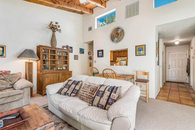 102 Del Rio Dr, Santa Fe, NM 87501 (MLS #201904478) :: The Desmond Group