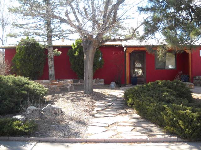 2412 Avenida De Las Campanas, Santa Fe, NM 87507 (MLS #201904560) :: The Desmond Group
