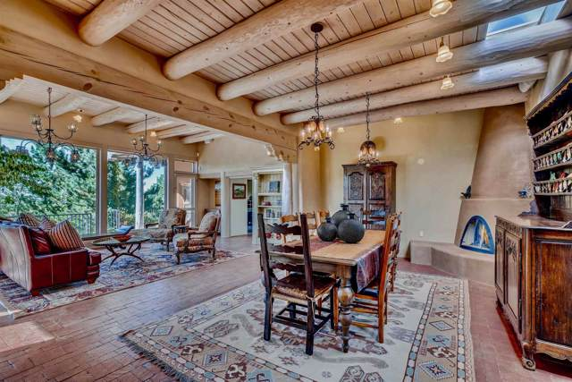 1071 Governor Dempsey Dr, Santa Fe, NM 87501 (MLS #201904575) :: The Very Best of Santa Fe