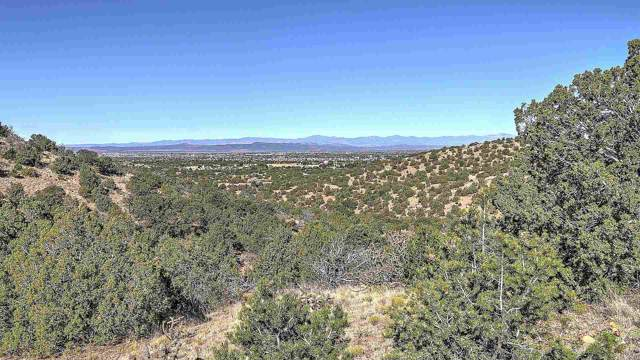 35 La Ventana, Santa Fe, NM 87508 (MLS #201904592) :: The Desmond Group