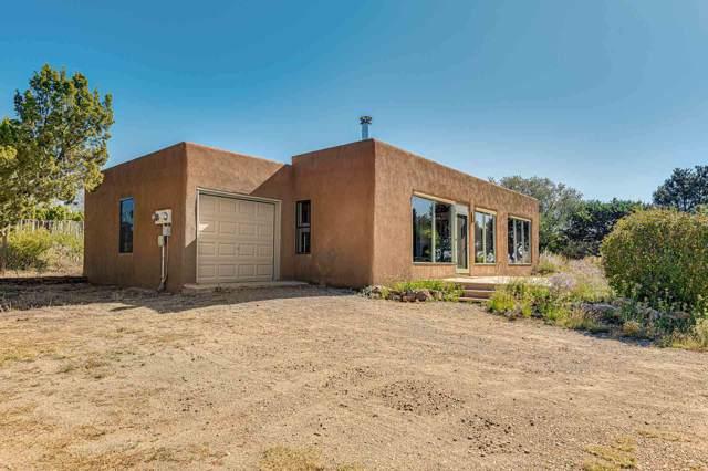 4 Vista Grande Cir, Santa Fe, NM 87508 (MLS #201904629) :: Berkshire Hathaway HomeServices Santa Fe Real Estate