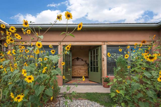 51 County Road 78A, Truchas, NM 87578 (MLS #201904632) :: The Desmond Group