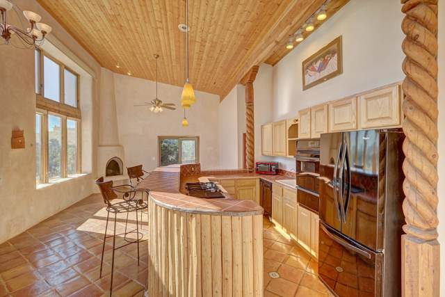 25 Perro Canyon Road, Santa Fe, NM 87510 (MLS #201904667) :: The Desmond Group