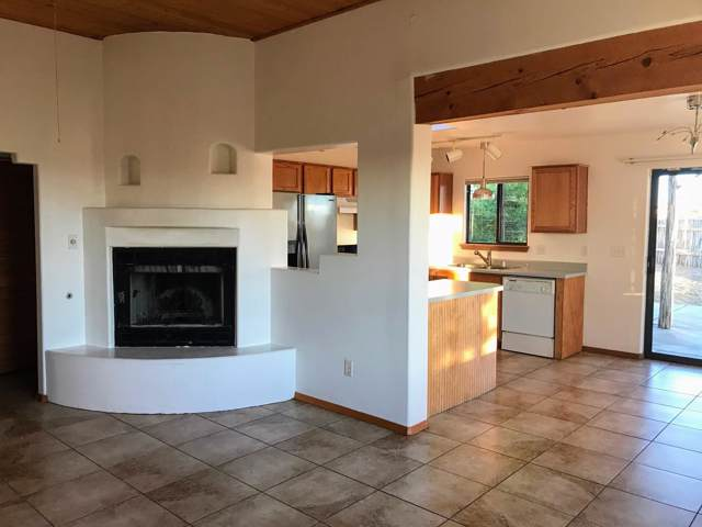 17 Lauro Road, Santa Fe, NM 87508 (MLS #201904669) :: The Very Best of Santa Fe