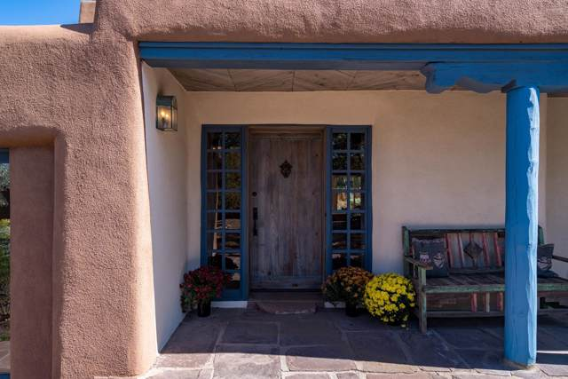 851 Old Santa Fe Tr, Santa Fe, NM 87505 (MLS #201904723) :: The Desmond Group