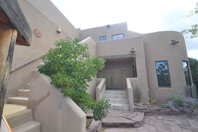 830 Paseo De Don Carlos, Santa Fe, NM 87501 (MLS #201904725) :: The Desmond Group