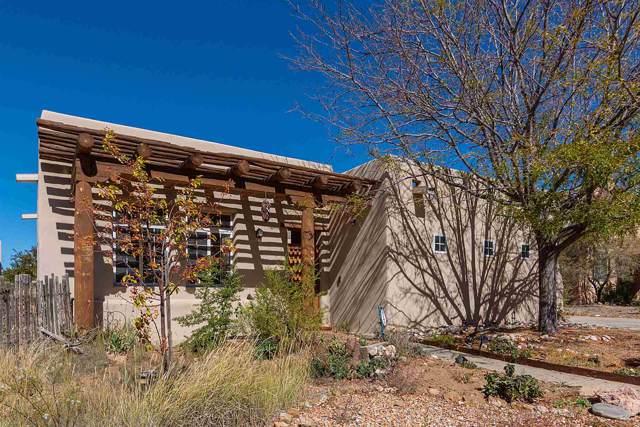 4245 Howling Wolf Lane, Santa Fe, NM 87508 (MLS #201904742) :: The Desmond Group