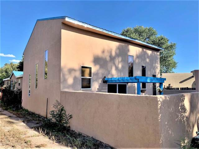 9 Paseo De Patrocinio, Santa Fe, NM 87506 (MLS #201904743) :: The Very Best of Santa Fe