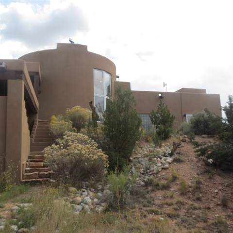 8 Placita Anita, Santa Fe, NM 87506 (MLS #201904774) :: The Very Best of Santa Fe