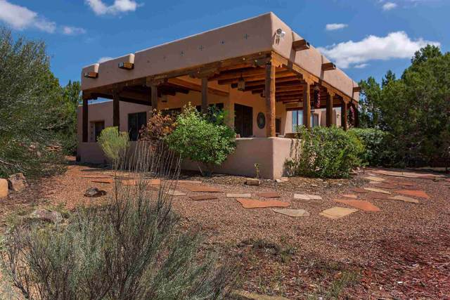 14 Enebro, Santa Fe, NM 87508 (MLS #201904780) :: The Desmond Group