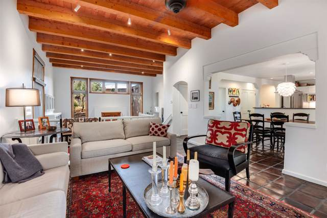 698 La Viveza Court, Santa Fe, NM 87501 (MLS #201904785) :: The Desmond Group