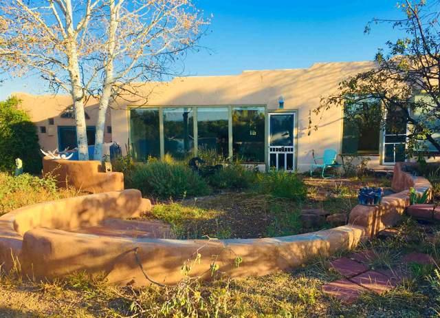 2 Vista Grande Circle, Santa Fe, NM 87508 (MLS #201904792) :: The Desmond Group
