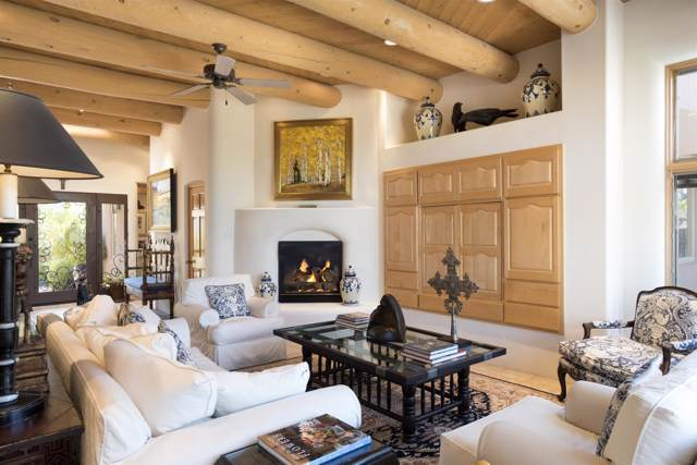 603 Vista De La Ciudad, Santa Fe, NM 87501 (MLS #201904793) :: The Desmond Group