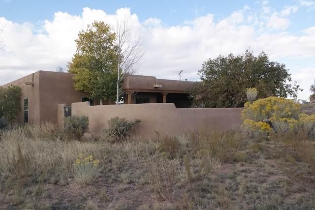 13 Altura Rd, Santa Fe, NM 87508 (MLS #201904923) :: The Desmond Group