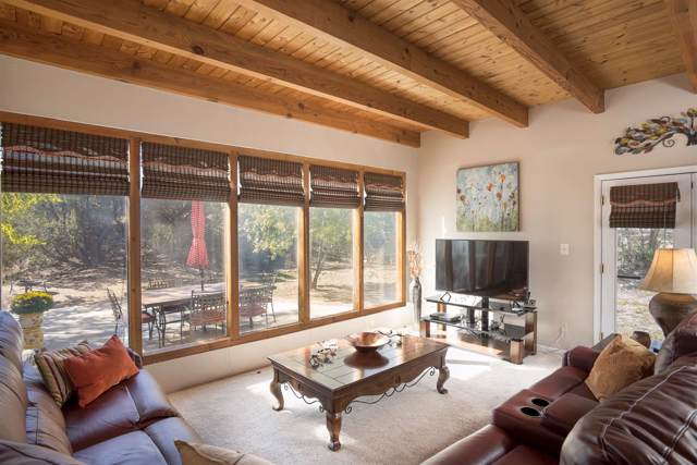 340C County Rd 84, El Rancho, NM 87506 (MLS #201904930) :: The Very Best of Santa Fe