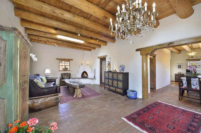 1036 Canyon Rd, Santa Fe, NM 87501 (MLS #201905081) :: The Very Best of Santa Fe