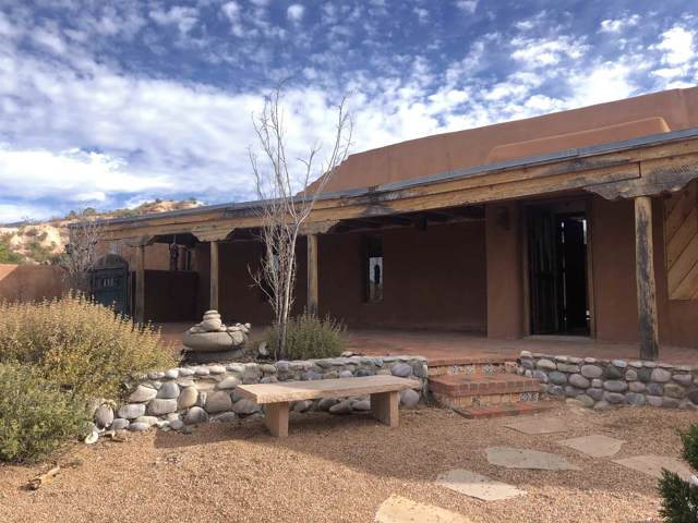 22 Blue Tesuque, Santa Fe, NM 87506 (MLS #201905266) :: The Desmond Group