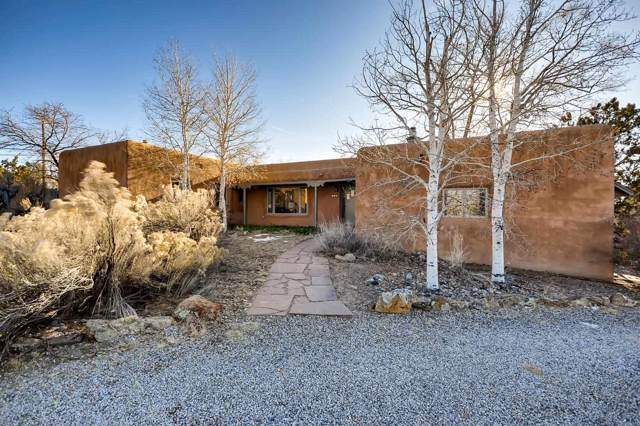 152 E Lupita, Santa Fe, NM 87505 (MLS #201905381) :: Berkshire Hathaway HomeServices Santa Fe Real Estate