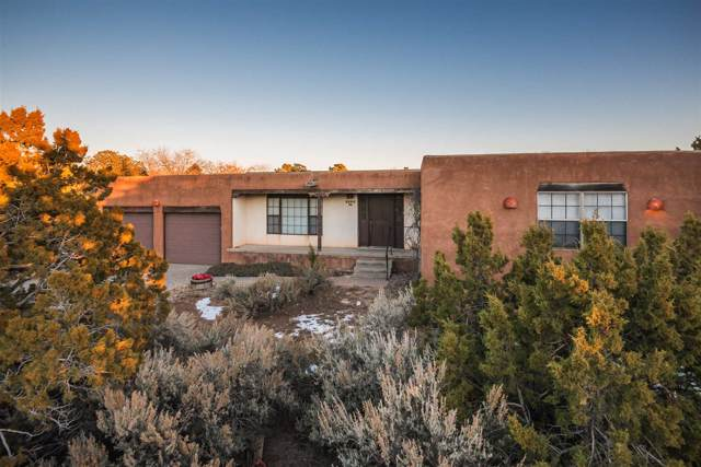 2505 Calle Delfino, Santa Fe, NM 87505 (MLS #201905385) :: Berkshire Hathaway HomeServices Santa Fe Real Estate