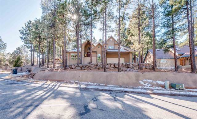 118 Maple Dr, Los Alamos, NM 87544 (MLS #201905390) :: Berkshire Hathaway HomeServices Santa Fe Real Estate