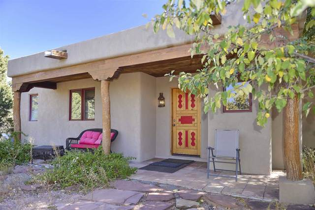 36 Camino Tres Cruces (Guest), Santa Fe, NM 87506 (MLS #201905427) :: Berkshire Hathaway HomeServices Santa Fe Real Estate