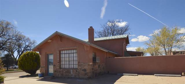 1133 Grand Avenue, Las Vegas, NM 87701 (MLS #202000039) :: The Desmond Hamilton Group