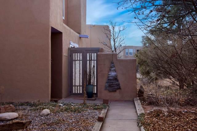 1629 Calle De Oriente Norte, Santa Fe, NM 87507 (MLS #202000070) :: Berkshire Hathaway HomeServices Santa Fe Real Estate