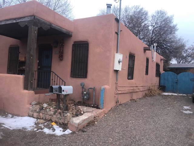 824 Agua Fria, Santa Fe, NM 87501 (MLS #202000112) :: The Desmond Group