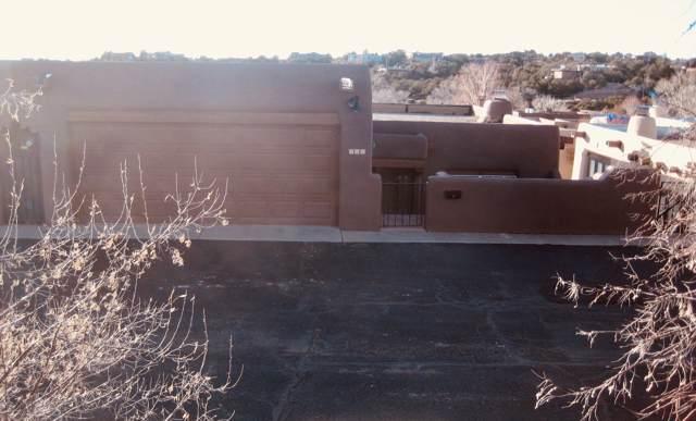 804 Brillantes Arenas, Santa Fe, NM 87501 (MLS #202000113) :: The Desmond Group