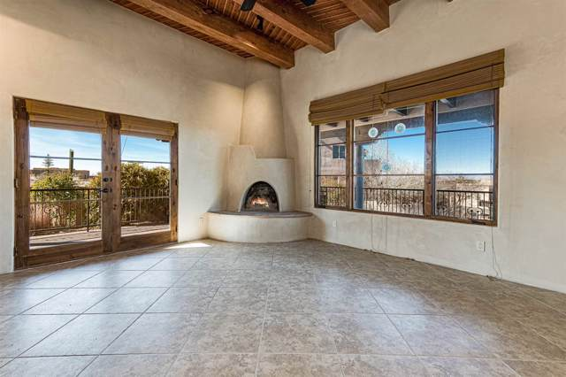 62 Avenida Frijoles, Santa Fe, NM 87507 (MLS #202000154) :: The Desmond Hamilton Group