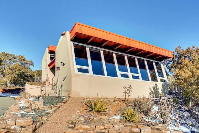77 Cibola Circle, Santa Fe, NM 87505 (MLS #202000161) :: The Desmond Group